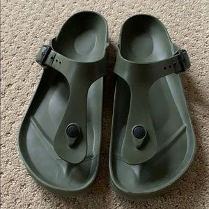 Rubber light weight Birkenstock T sandal